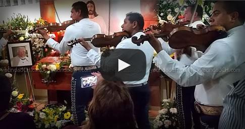 Video: El último adiós a Rubén Aguirre (Funeral)